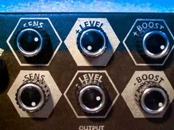 Schumann TWO FACE FUZZ close-up